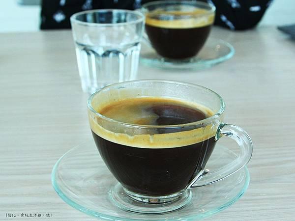 采cafe-咖啡.JPG