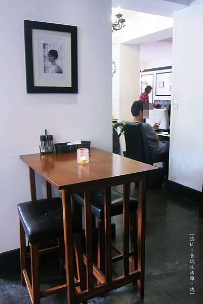 glow cafe-店內座位-1.JPG