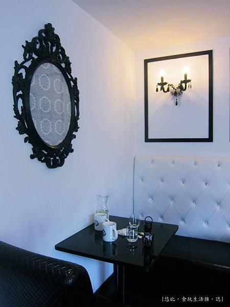 glow cafe-店內座位-3.JPG