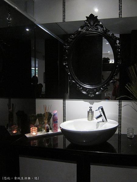 glow cafe-洗手台.JPG