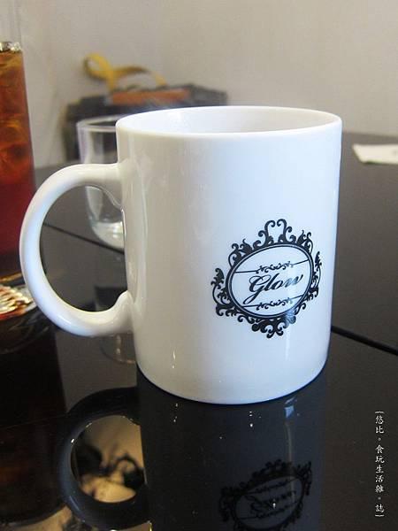 glow cafe-熱咖啡.JPG
