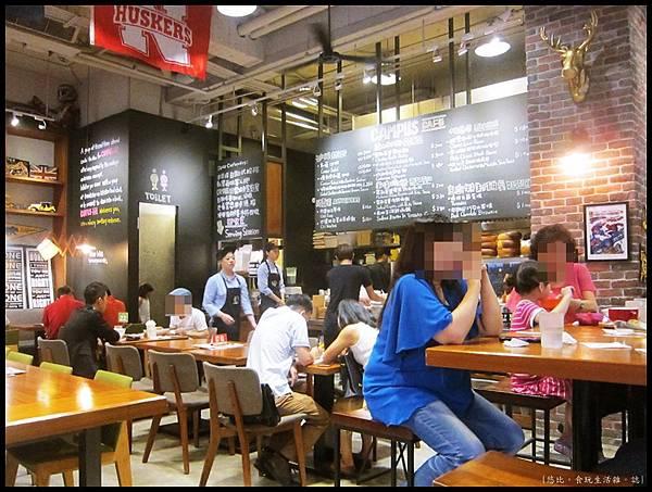 campus cafe-店內-3.JPG