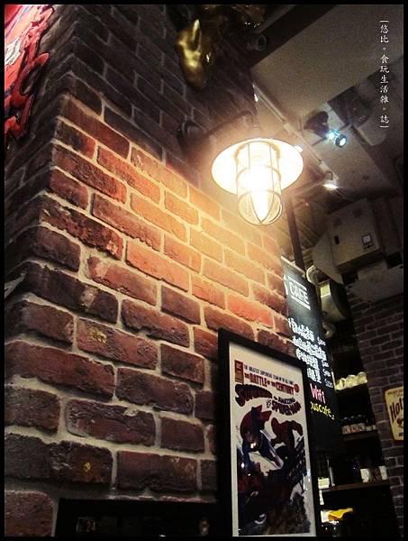campus cafe-店內擺飾-2.JPG