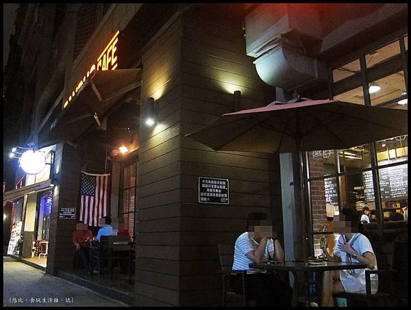 campus cafe-側門-2.JPG