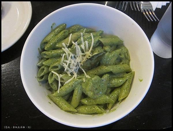 campus cafe-羅勒青醬海鮮斜管麵-1.JPG