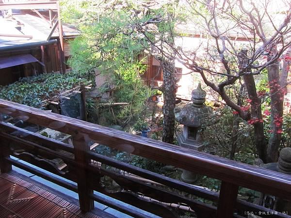 鳥岩樓-1F庭院.JPG