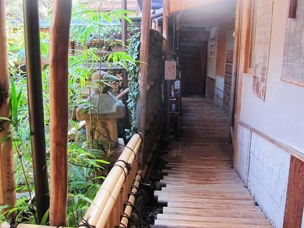鳥岩樓-1F廊道-1.JPG