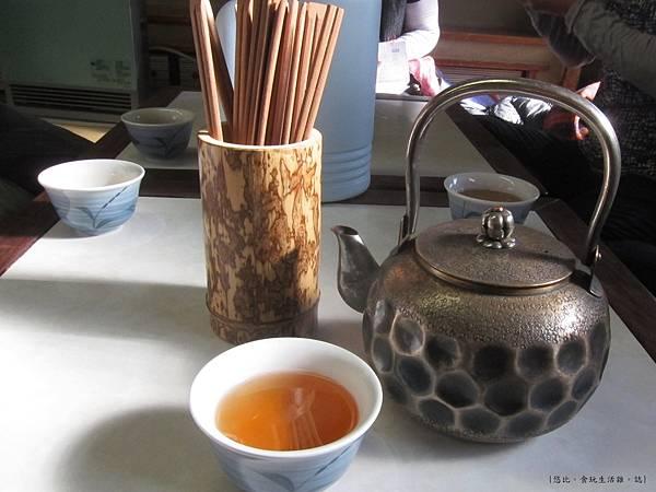 鳥岩樓-茶水.JPG