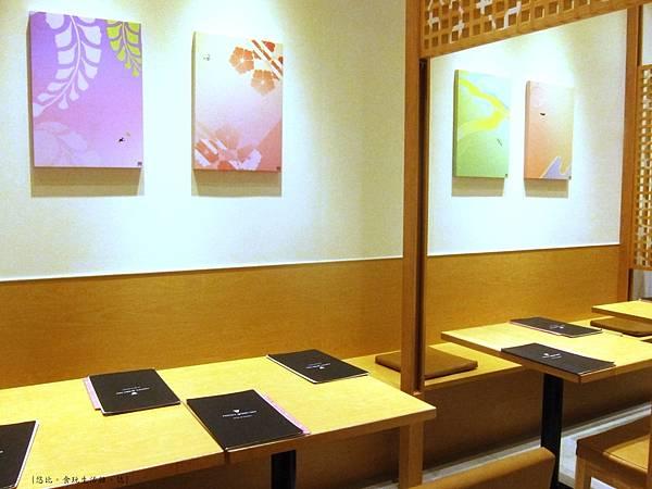 nana's green tea-店內坐位-3.JPG