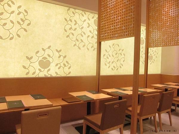 nana's green tea-店內坐位-4.JPG
