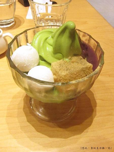 nana's green tea-抹茶聖代-2.JPG