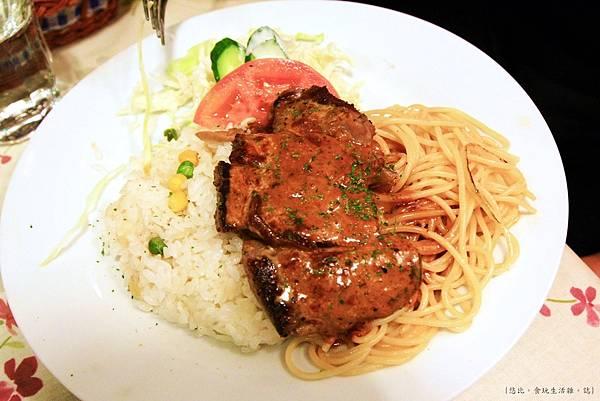 鶴茶庵-牛排佐俄羅斯燉牛肉醬土耳其飯-1.JPG
