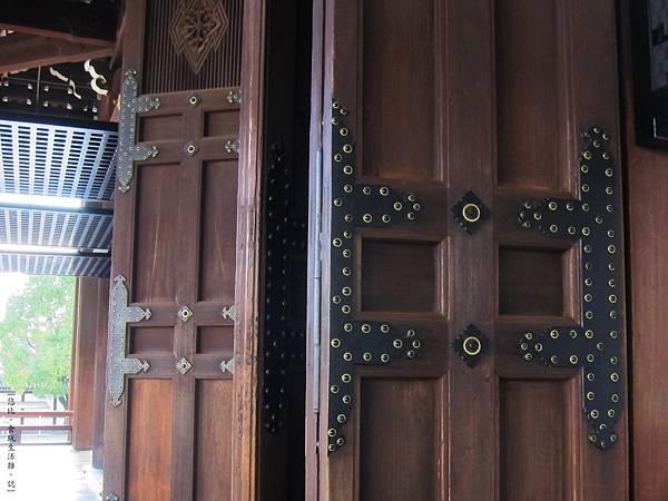 西本願寺-阿彌陀堂木門-1.JPG
