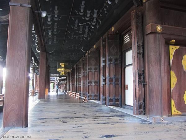 西本願寺-阿彌陀堂長廊-1.JPG