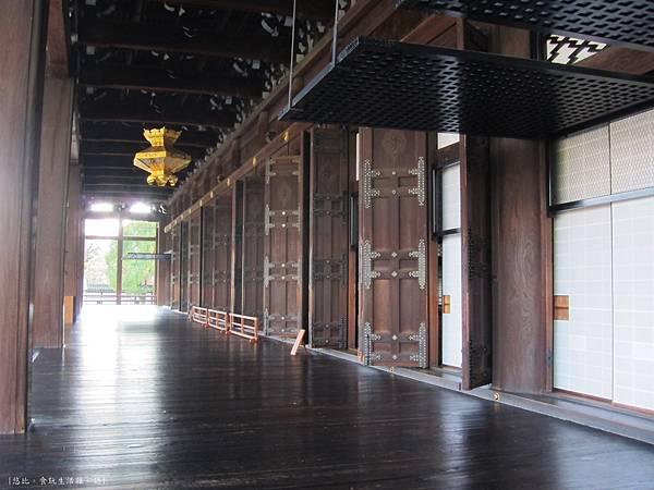 西本願寺-阿彌陀堂長廊-2.JPG