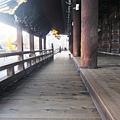 東本願寺-御影堂長廊-4.JPG