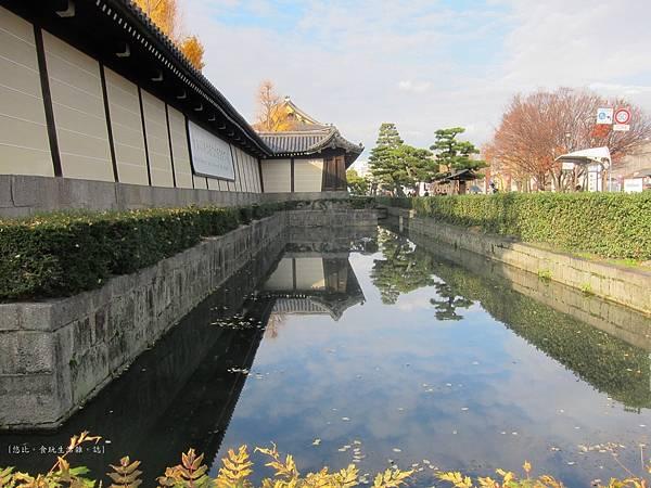 東本願寺-護城河-1.JPG