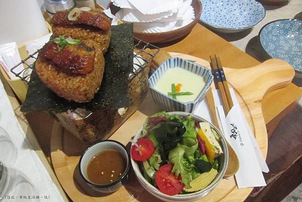 初日-醬燒鰻魚烤飯糰.JPG