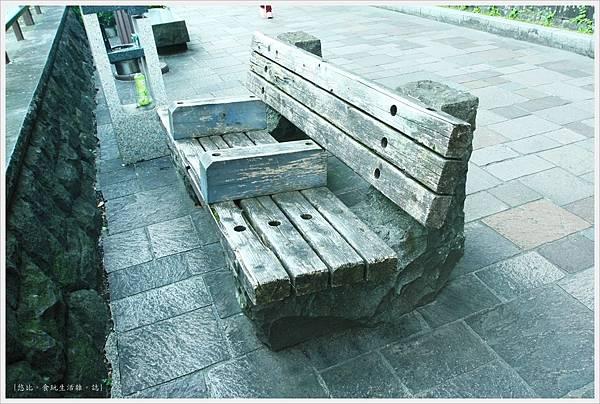 熊本城-長牆大街座椅-1.JPG