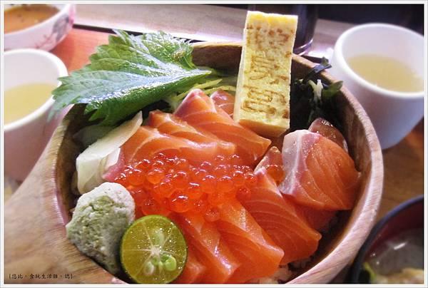 鵝房宮-鮭魚親子丼-1.JPG