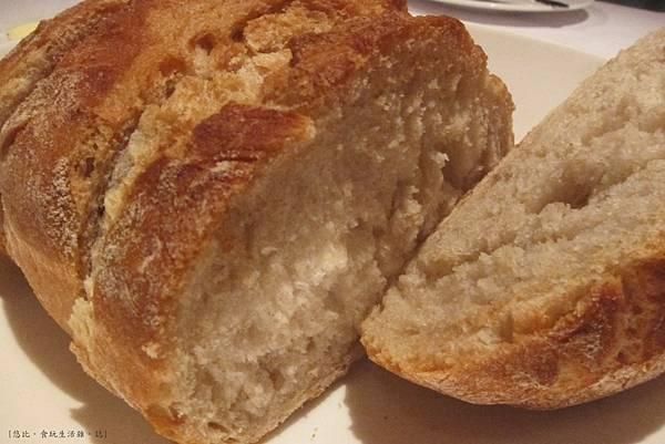 教父牛排-麵包-2.JPG