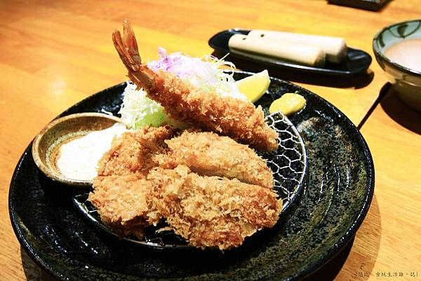 勝烈亭-炸蝦與腰內肉炸豬排-2.JPG