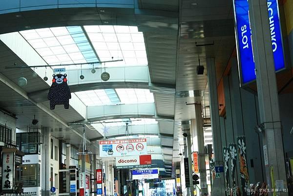 勝烈亭-商店街-熊本熊.JPG