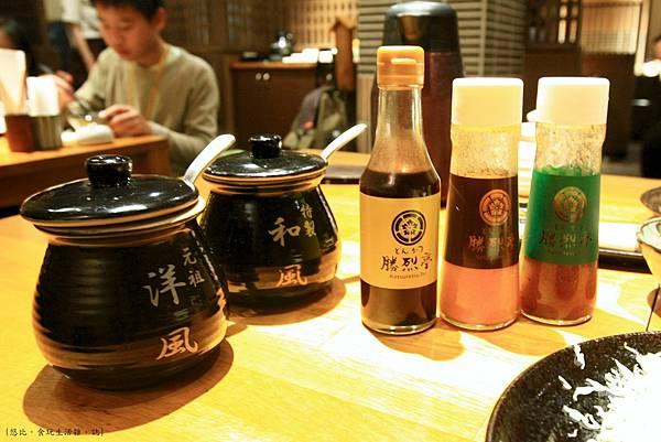 勝烈亭-調味醬們-1.JPG