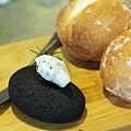TU PANG-法式圓麵包-1.JPG