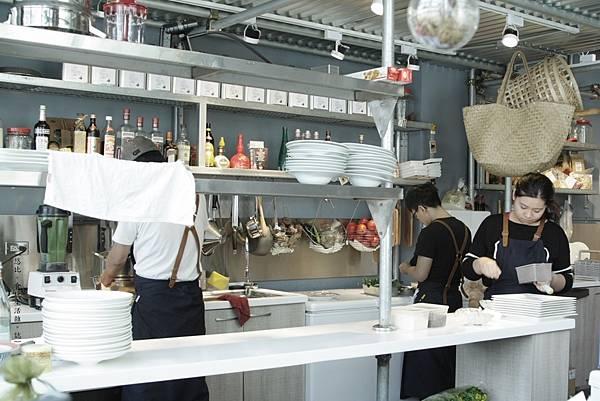 TU PANG-廚房-2.JPG