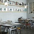 TU PANG-餐桌-2.JPG