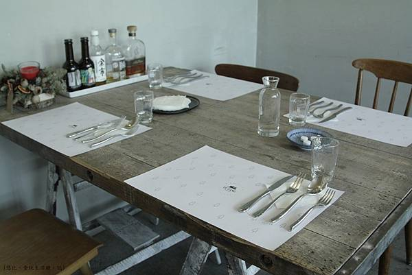 TU PANG-餐桌-3.JPG