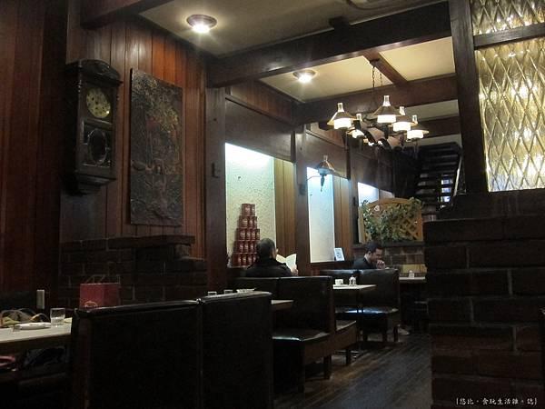 Smart coffee-店內-1.JPG
