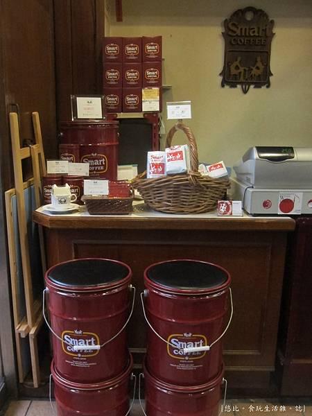 Smart coffee-店內-4.JPG
