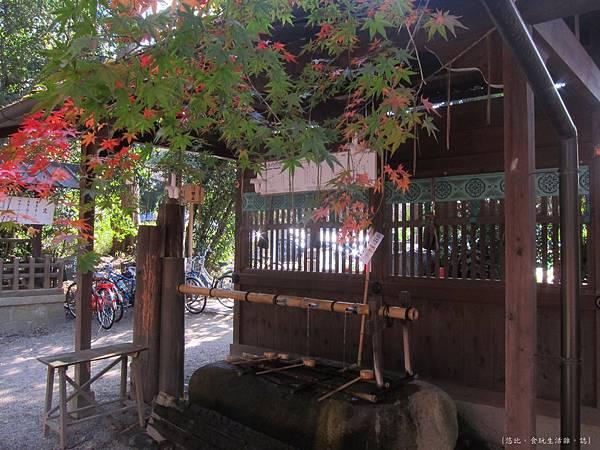 下鴨神社-手水舍.JPG