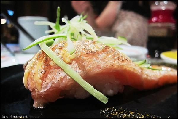 大漁-炙燒鮭魚-1.JPG