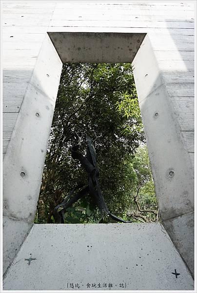 毓繡美術館-長廊轉角-1.JPG