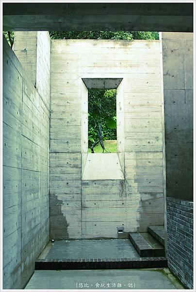 毓繡美術館-長廊轉角-2.JPG