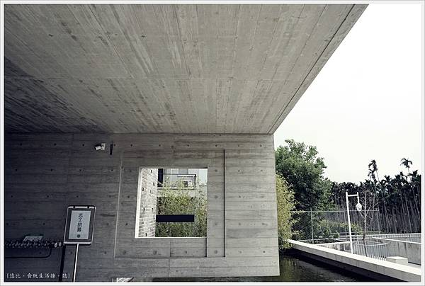 毓繡美術館-展覽館入口-1.JPG