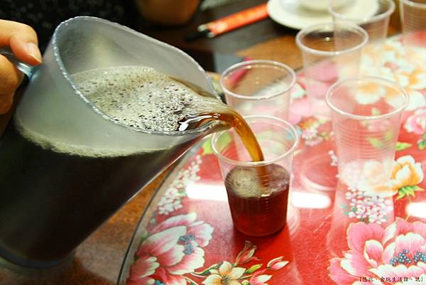 三嘴滷-紅茶-1.JPG