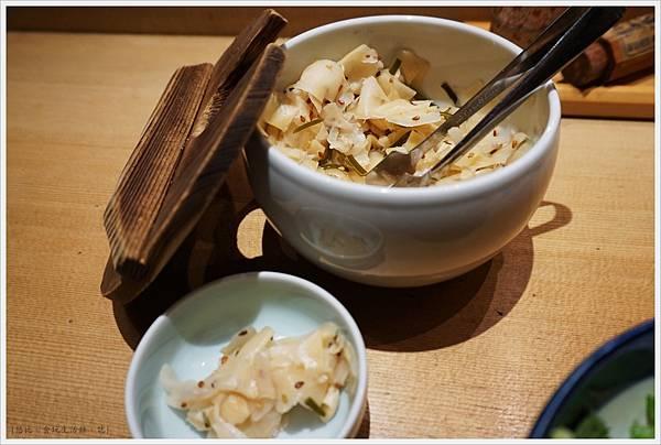 Tsuji半-小菜-1.JPG