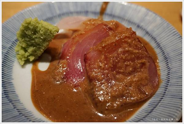 Tsuji半-奢侈丼-生魚片-1.JPG