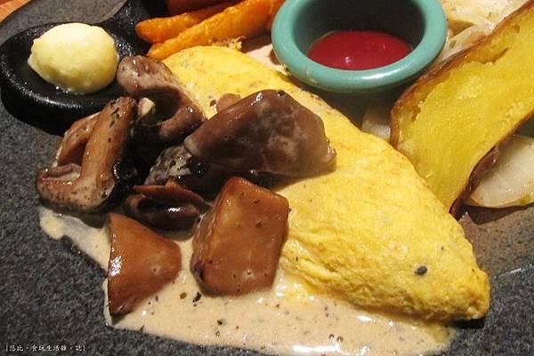 多一點-奶油菇菇匯松露起司蛋捲+mini吐司-2.JPG