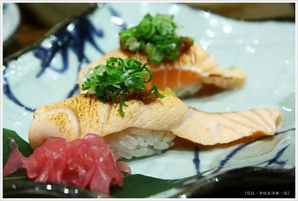 樂座爐端燒 崇德-炙鮭魚+炙鮭魚肚-1.JPG