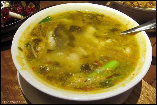 開飯-酸菜魚湯-2.JPG