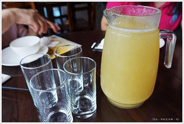 櫻桃谷-甘蔗檸檬汁.JPG