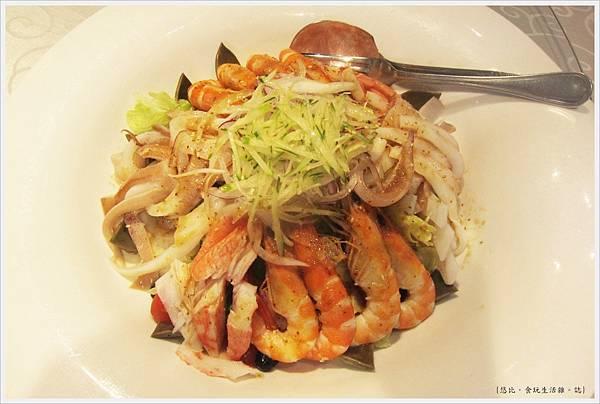 膳馨-澎湃海鮮蔬食沙拉-1.JPG