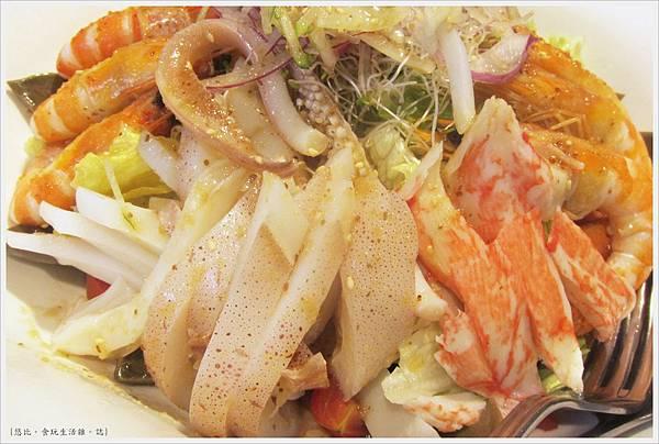 膳馨-澎湃海鮮蔬食沙拉-2.JPG