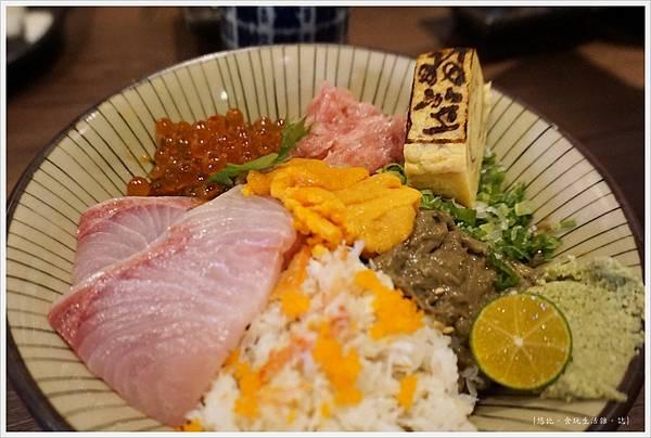 羽笠日本料理-旬彩三色丼-3.JPG