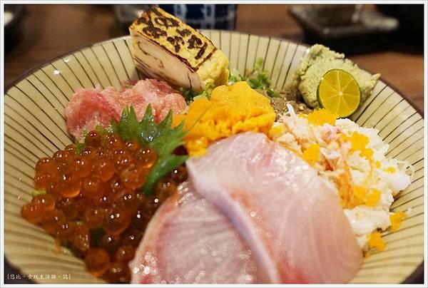 羽笠日本料理-旬彩三色丼-2.JPG
